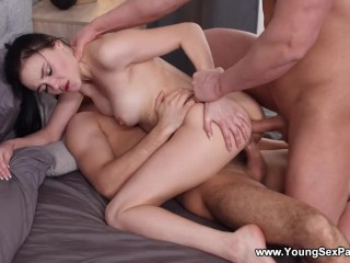 Young Sex Parties - Kiara Gold - Morning threesome session