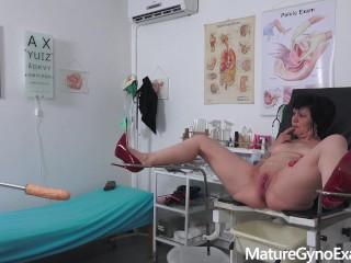 Old pussy exam of wet grandma Charlie
