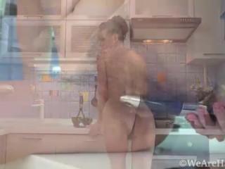 волосатая милфа сексуальная мокрая киска оргазмы всегда и везде - GinnaGg