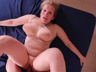 Hot neighbor MILF agreed to star in homemade porn. She likes get fucked harder & my cum)
