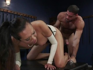 The Surrender: Jessica Fox submits to Ricky Larkin