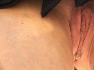 She is caught without panties in a short skirt in the Park. Up skirt close up