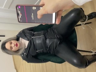 Torture my Girlfriend Pussy with Vibrator under her Pants 3